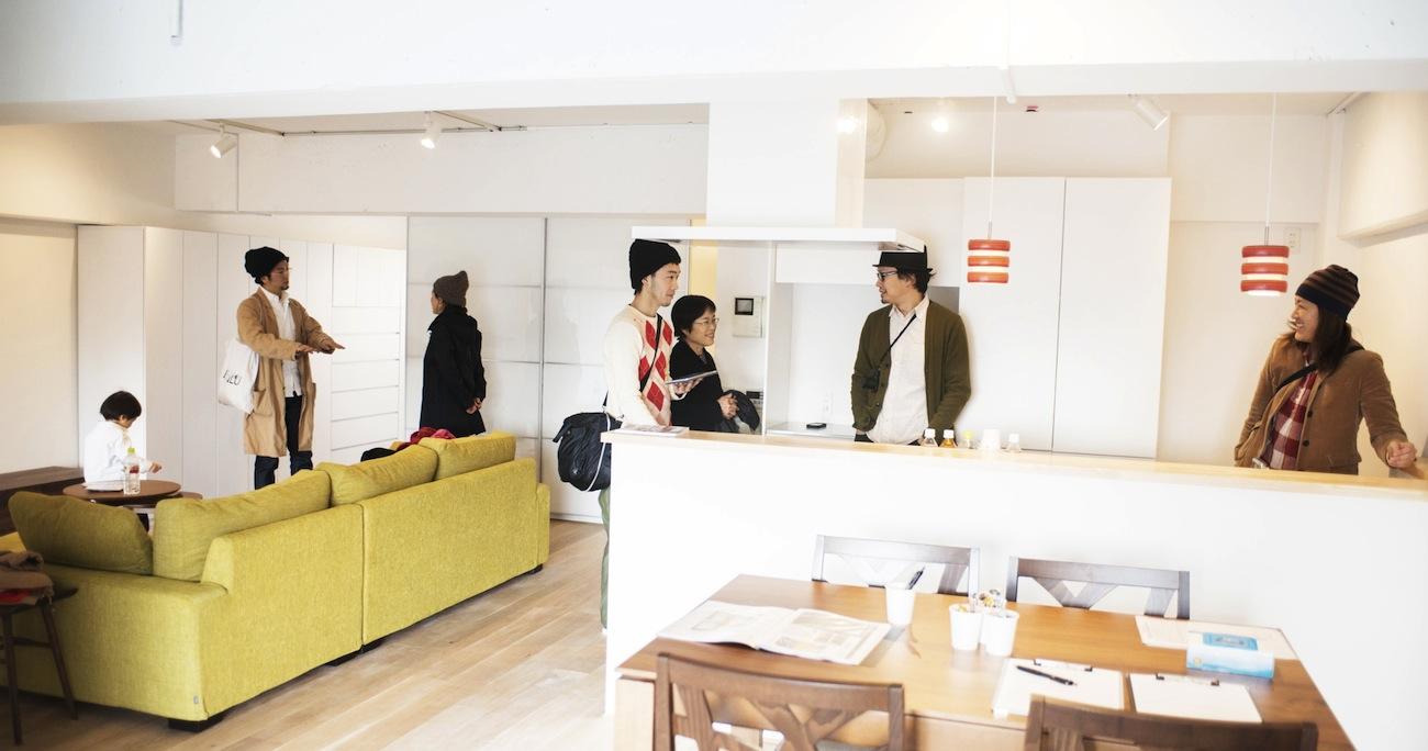 草加のリノベーションのオープンハウスに大勢のお客様が参加