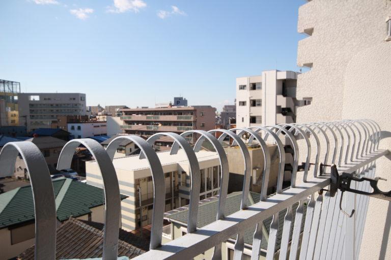 マンションのベランダから見た風景
