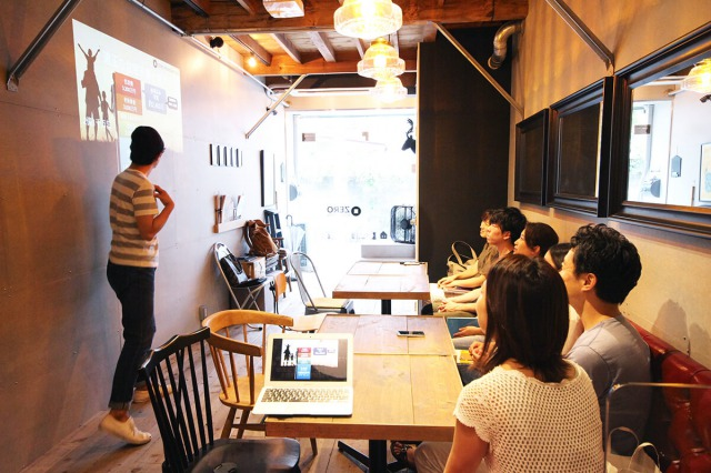 ゼロリノベ事務所のカフェスペース