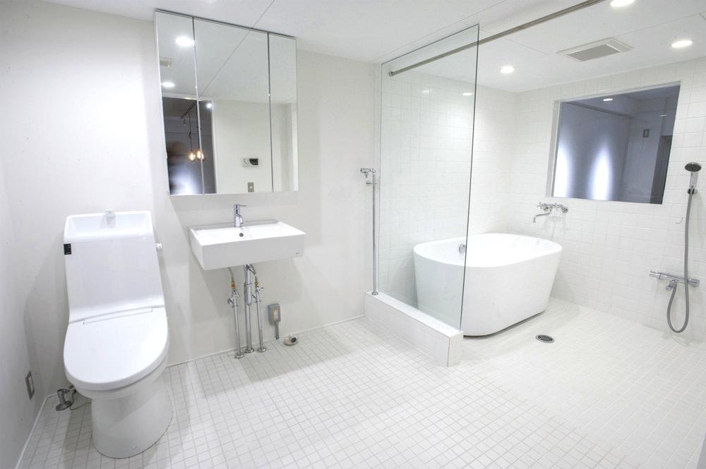 武蔵浦和のリノベーション後のお風呂とトイレ