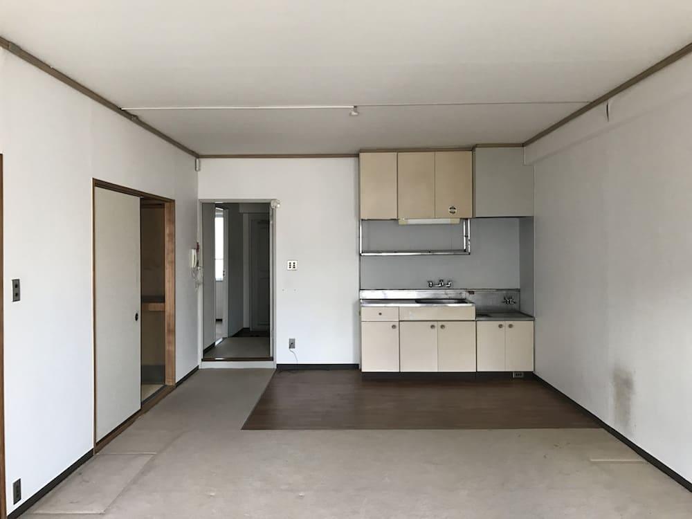 武蔵浦和のリノベーション前キッチン