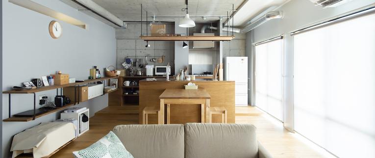 国立の中古マンションのリノベーション事例のリビングとキッチン