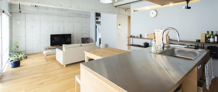 国立の中古マンションのリノベーション事例のキッチンカウンター