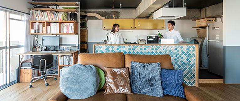 上板橋の中古マンションのリノベーション後のリビングからのキッチン