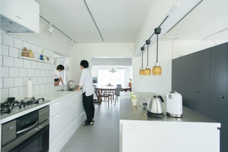 壁付けキッチン事例