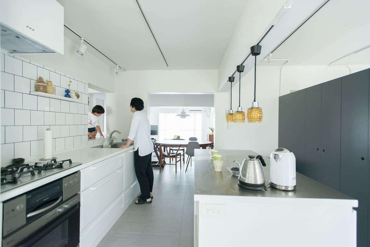 LDKを広くできる壁付けキッチン!アイデア満載4事例とリアルな利点
