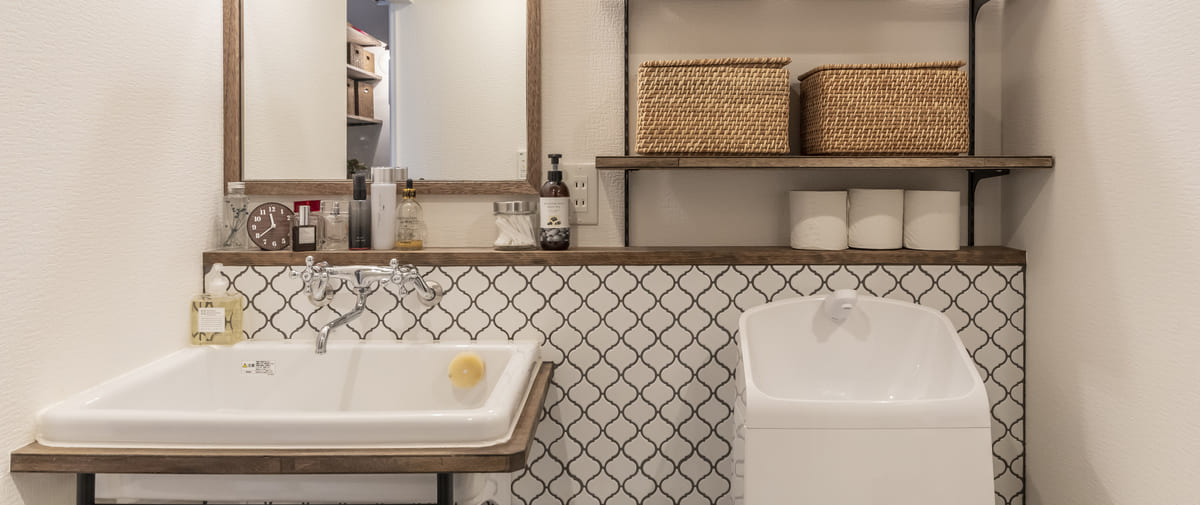 旗の台の中古マンションのリノベーション後の洗面所とトイレ