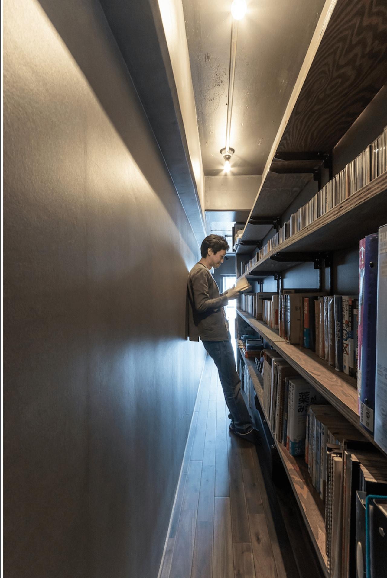 図書館のような本棚