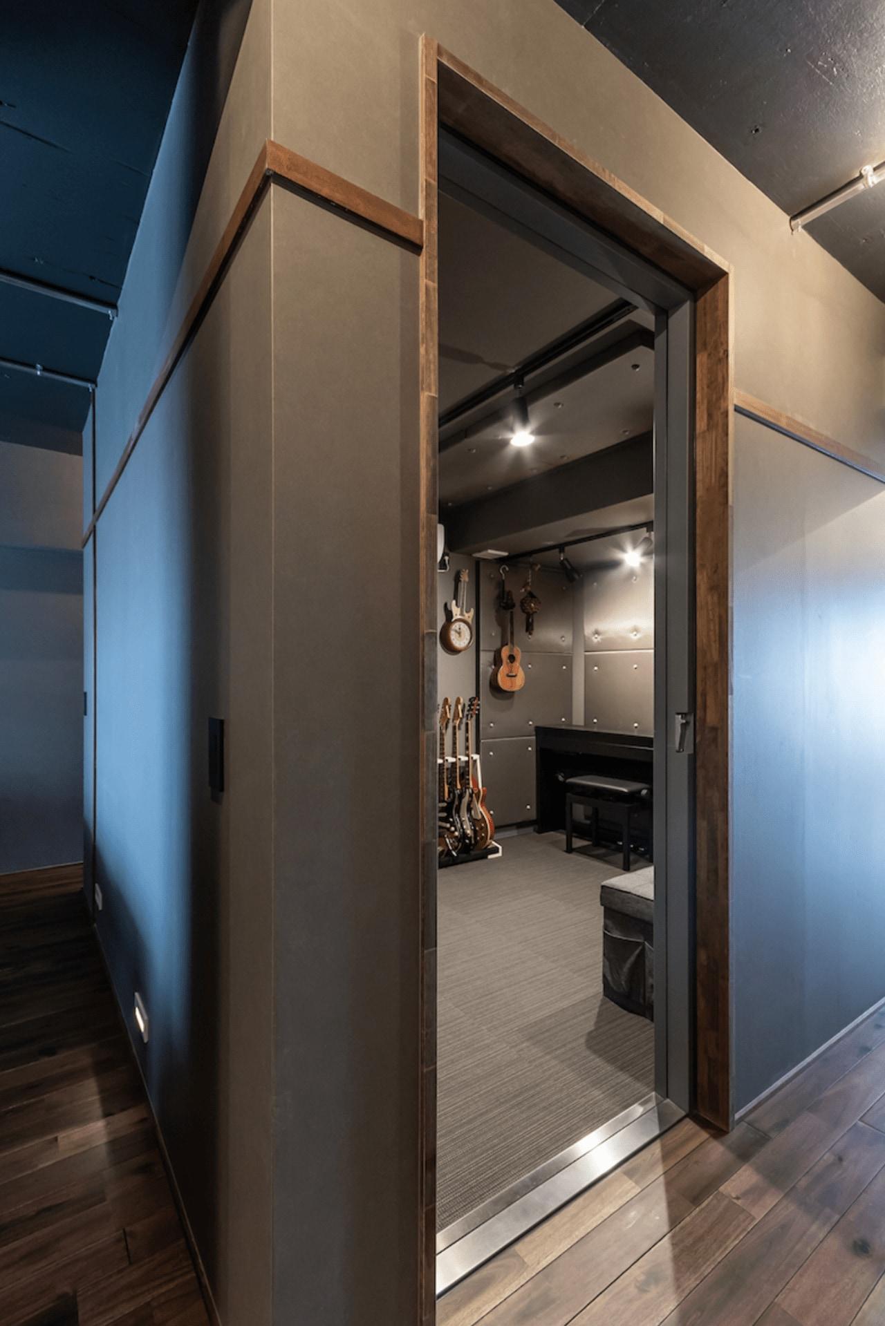 住居中央の防音室