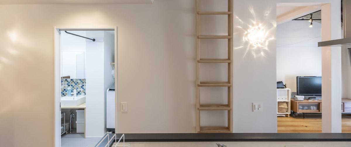 センター北の中古マンションのリノベーション後のロフトへの梯子