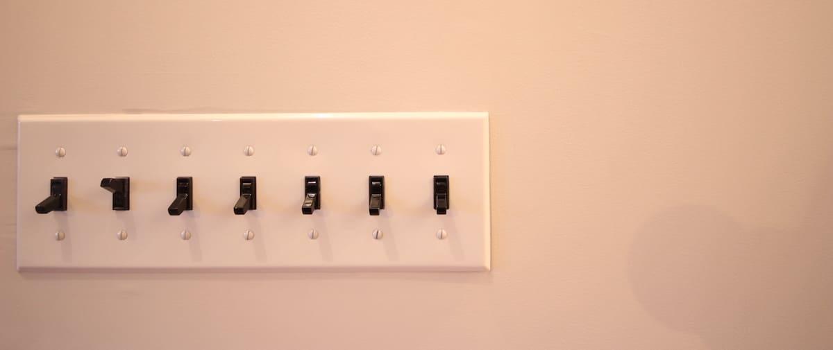 都立大学の中古マンションのリノベーション後のスイッチ