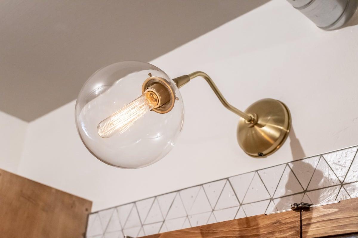 洗面台 リノベーション事例 照明