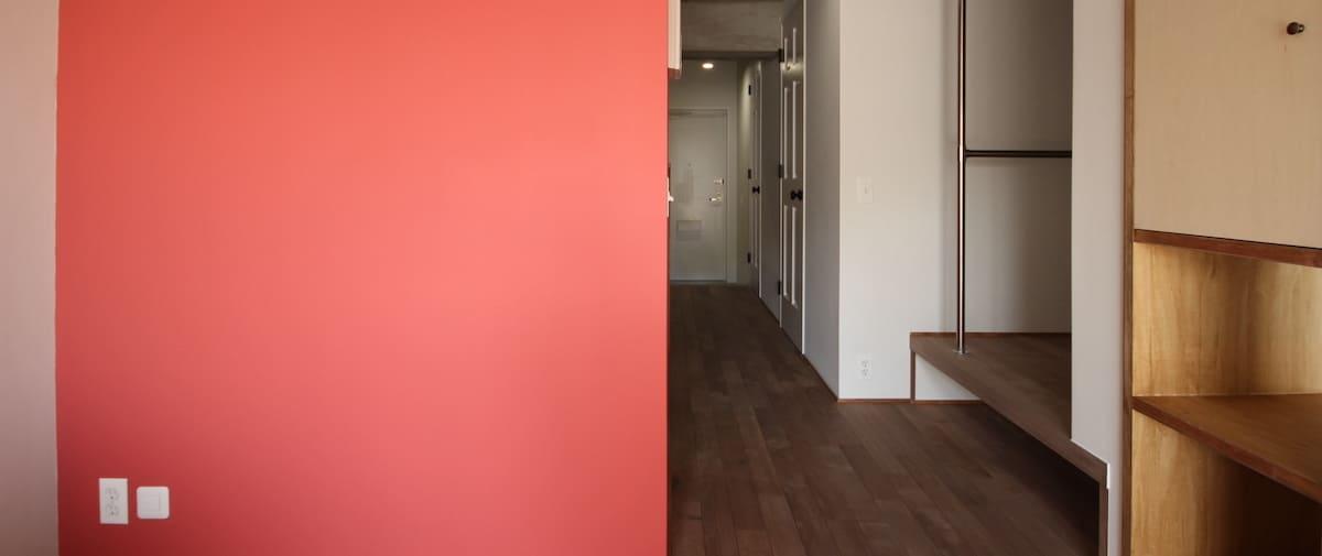 鷺沼の中古マンションのリノベーション後のリビングから見た玄関