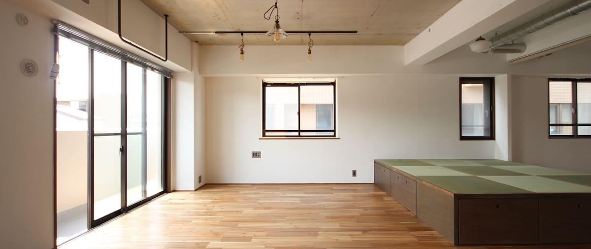 武蔵新城の中古マンションのリノベーション後のキッチンから見たリビング