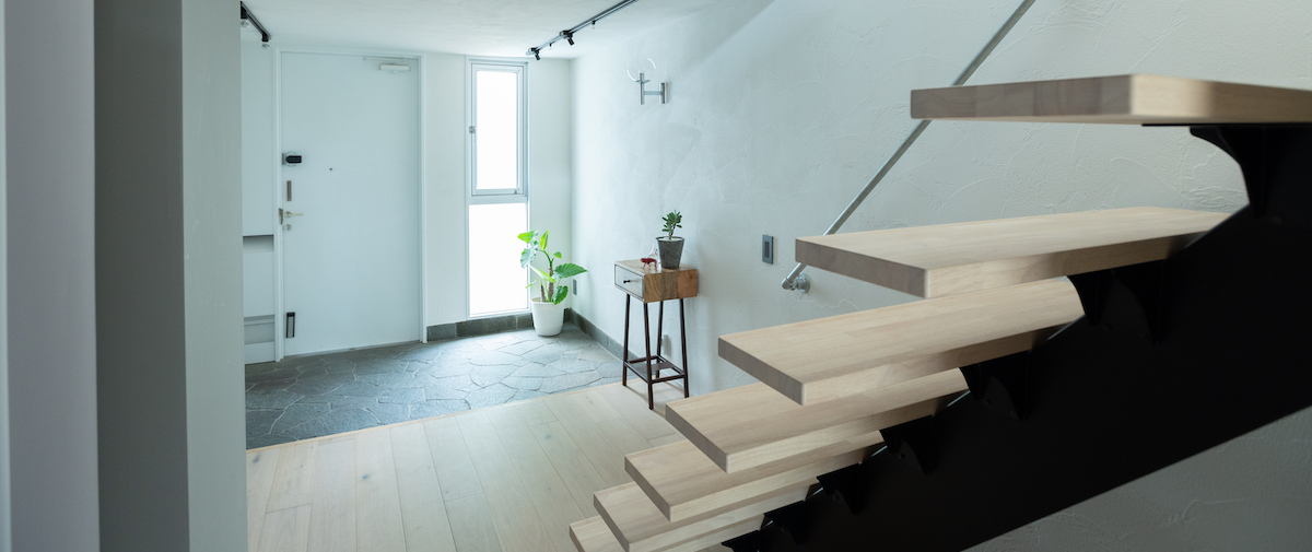 目黒の中古マンションのリノベーション後の階段