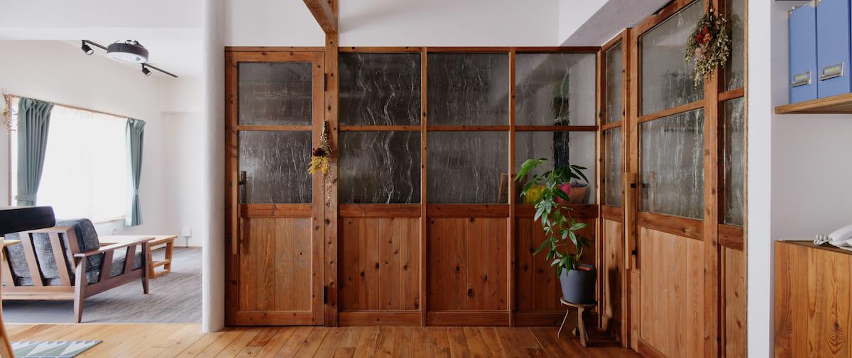 京王永山の中古マンションのリノベーション後の寝室の壁